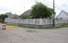 Фото установленных евро заборов из бетона